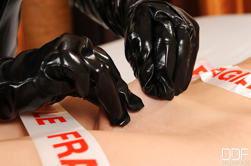 latex blowjob club pearls