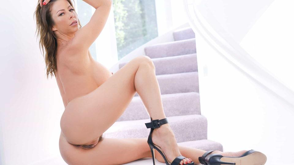 Sexy Milf's Solo Seduction