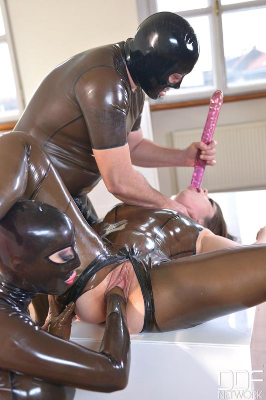 Latex squirting