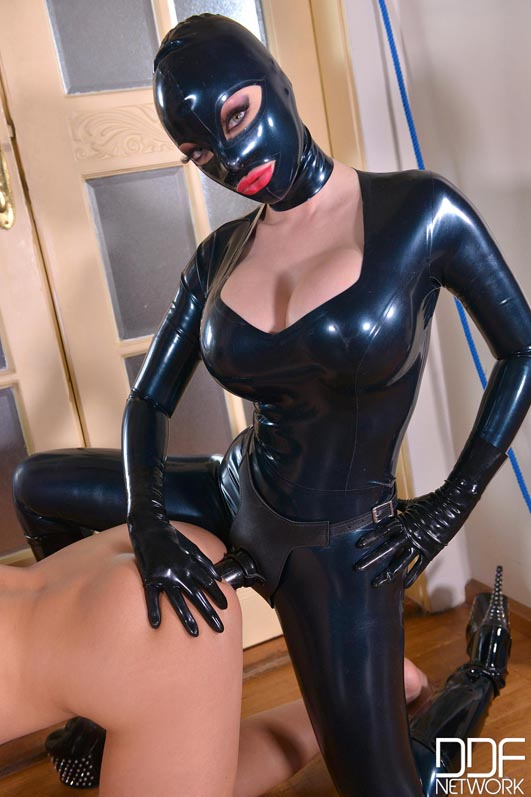 latex strapon gratis xxx