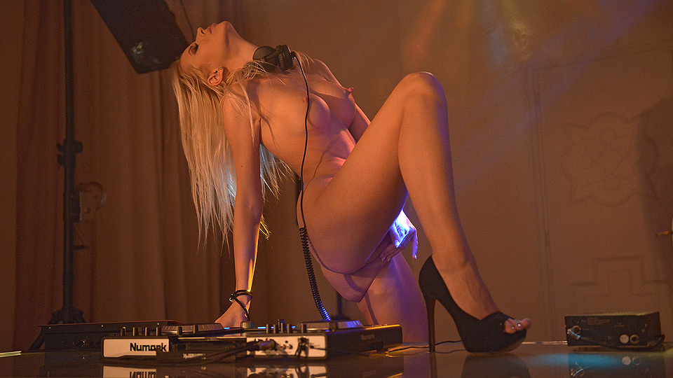 Sexy DJ Works The DJ Decks And Her Pussy With Her Fingers