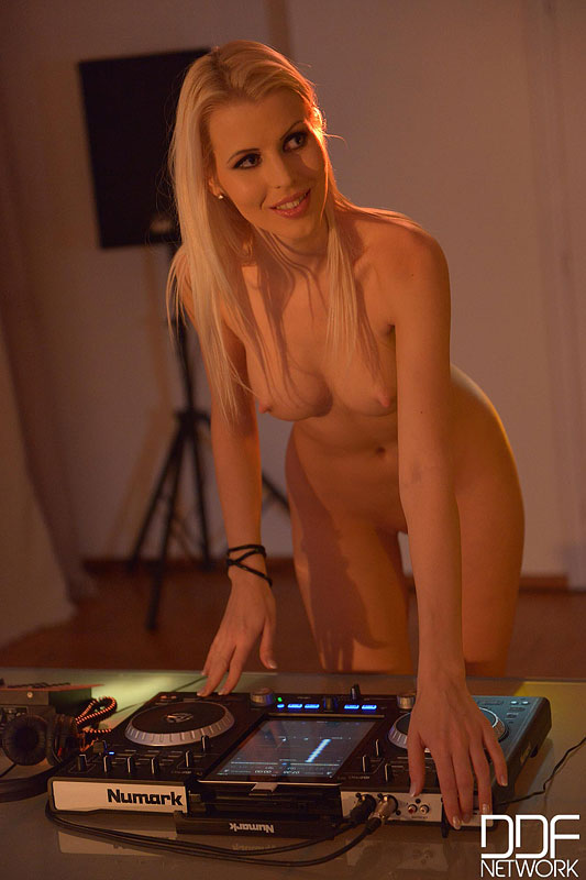 Lynna nilsson topless dj puts on a private show public p