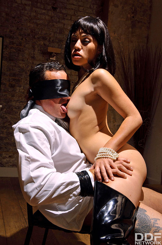 Late Night Fetish Fuck: Dominant Milf Blindfolds Husband #10