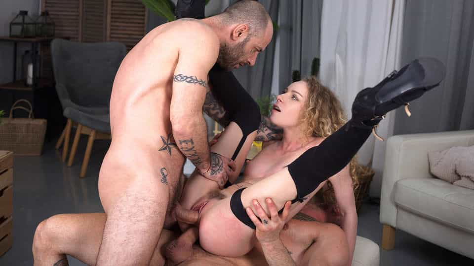 Hardcore Double Penetration Threesome