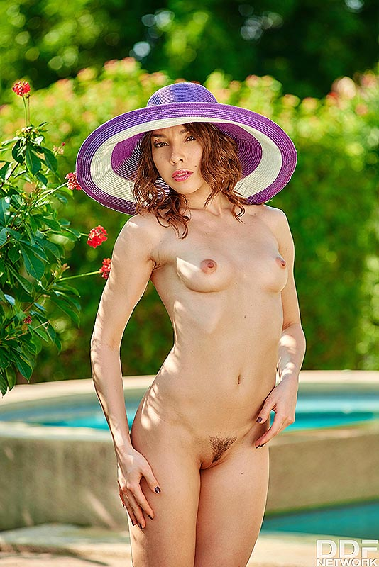 Solo Garden Seduction: Mistress Reveals her Trimmed Pussy #7