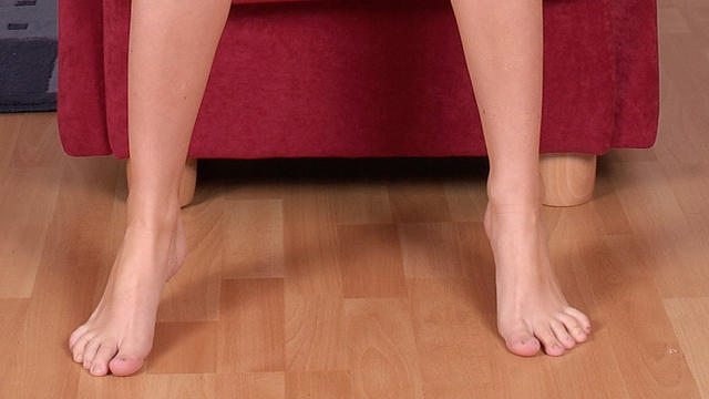 Czech chick Jitka indoor solo action!