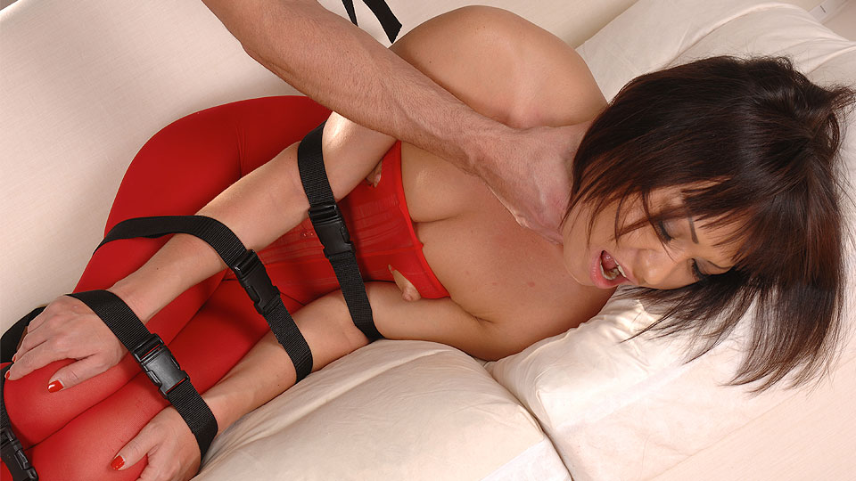 Hot babe gets drilled!