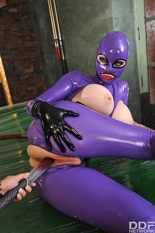 Post. lust latex