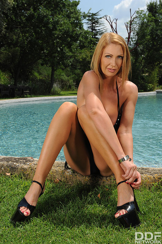 Wet and Wild: Busty Milf's Solo Poolside Titty Play #4