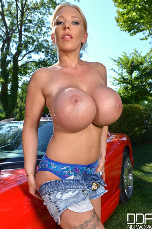 True answer Busty hood girl naked