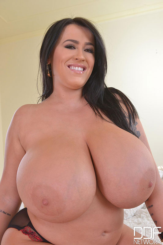Fists On Tits: Voluptuous British Bombshell Reveals Her Giant Tits #9