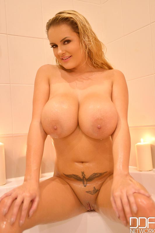 90s Babe Tits -