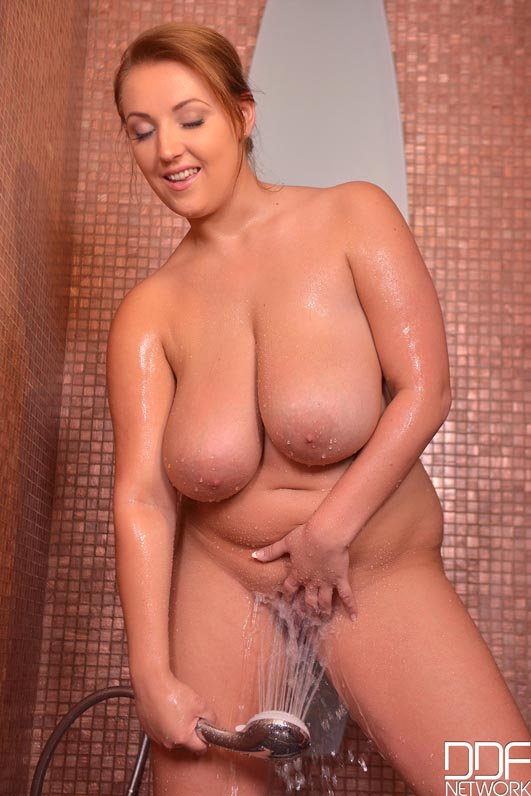 Giant Wet Tits - Czech Babe Loves Morning Shower Masturbation #8