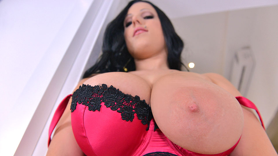 Busty Thunderstruck - Titty Shaking And Squeezing Before Vibrator Play