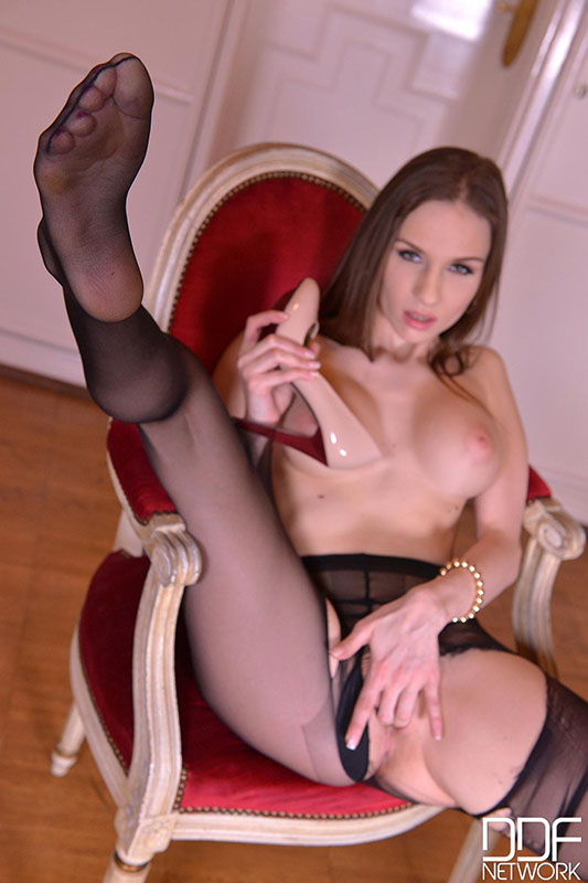 Red stockings lover solo