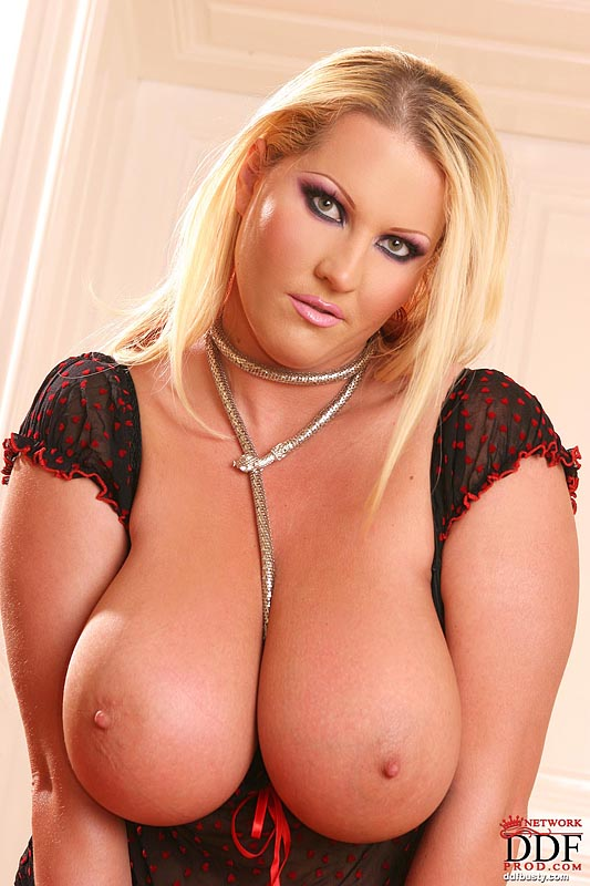 Hot Blonde Pornstar Alexis Texas