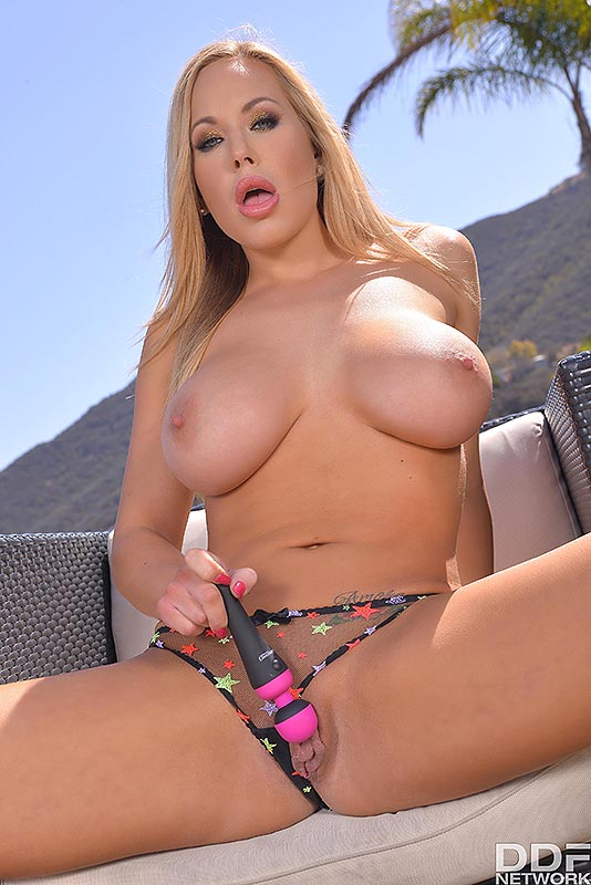 Mama Mia: Curvy Blonde Milf Stimulates Pussy With Sex Toy #9