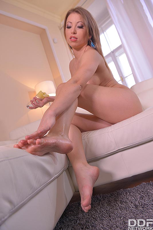Wonder Woman's Feet: Hungarian Model Squeezes Natural Tits #8