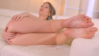 Dreamy Looks And Horny Thoughts: Foot Fetish Porn in 4K