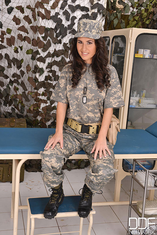 Sexy camouflage girl porn