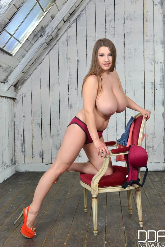 Big Natural Boobs Newcomer's Titty Play Solo Debut #5