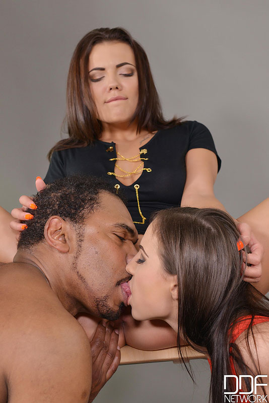 Tight'n Horny - Photographer Makes Pussies And Asshole Gape #6