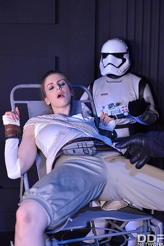 Deep Space Anal Cramming: A Princess Threesome Penetration #3