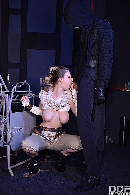 Deep Space Anal Cramming: A Princess Threesome Penetration #4