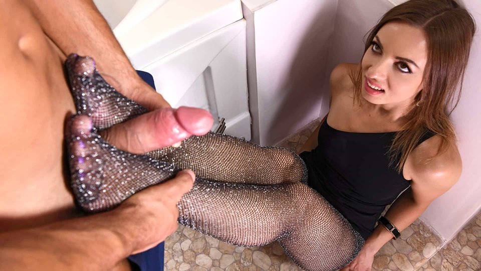 Cum All Over Hot Toes