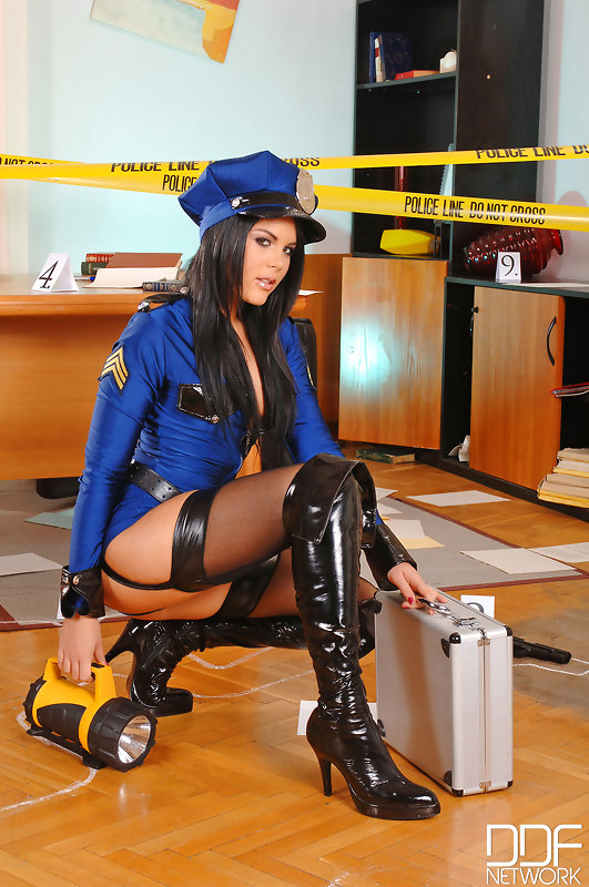 Probing Her Asshole: Horny Police Officers Fuck At Work! #3