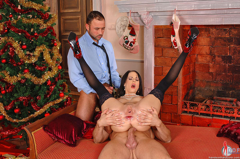 trucker-seeing-hardcore-porn-christmas-beheading-photos-doctor