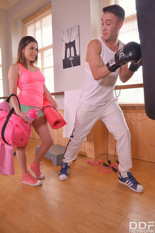 Randy Workout Methods: Cum Hungry Babe Slobbers Over Cock #4