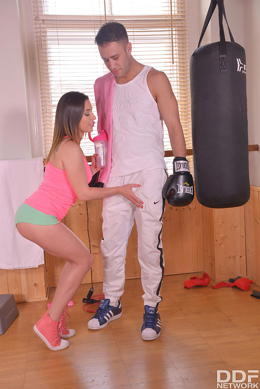 Randy Workout Methods: Cum Hungry Babe Slobbers Over Cock #5