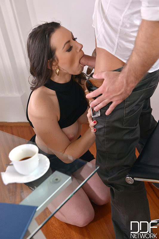 Sarah, Cum In: Super Hot Babe Eases Everyday Office Life #5