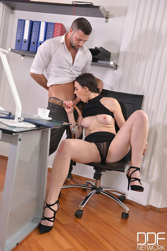 Sarah, Cum In: Super Hot Babe Eases Everyday Office Life #6