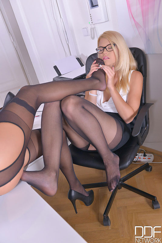 Sensual Sensation During Office Hours - Foot Fetish At Its Finest #6