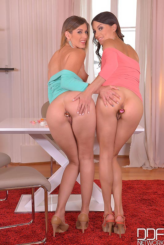 Ass Loving Lesbians - Babes Play With Butt Plugs Video -1054