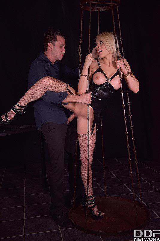 Latex Lover in Chains #9