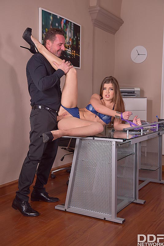 Submissive Secretary's Anal Duty #7