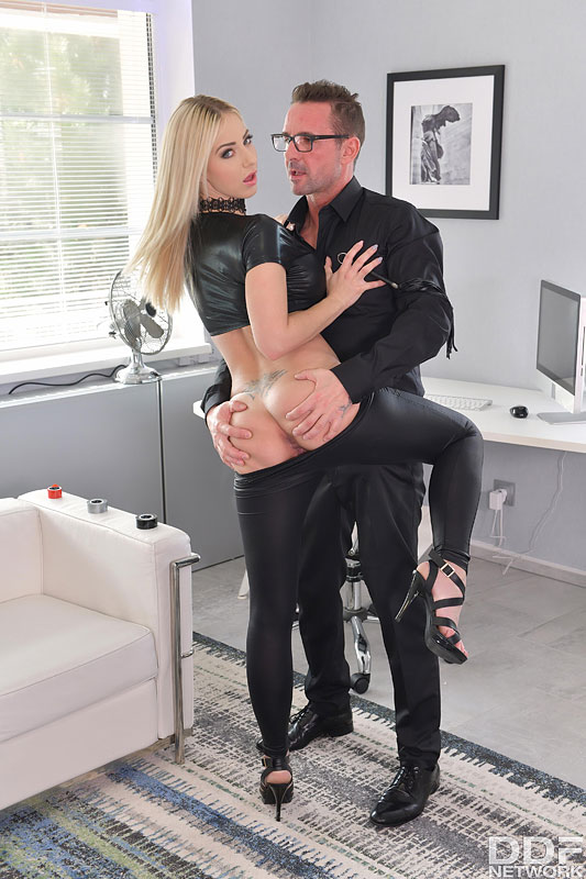 Intensive Anal Dick Insertion #3