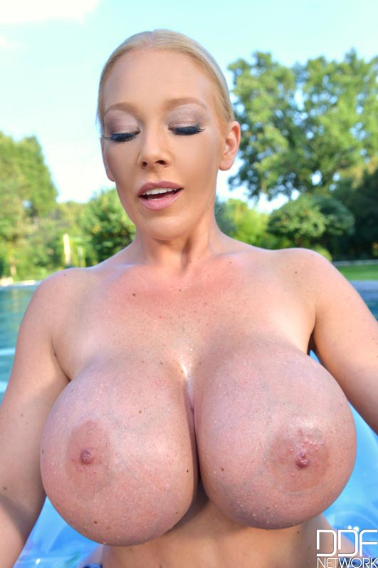 Remarkable, Leanne crow big boobs pool thanks for